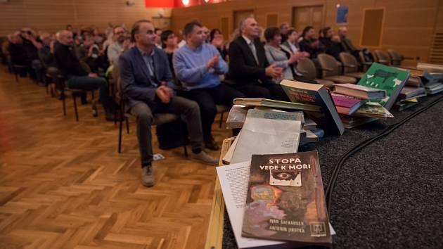 Vyhlášení výsledků Šumava Litera.