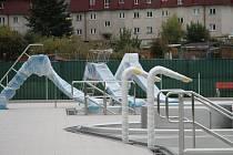 Areál vodních sportů je hotov zatím z jedné pětiny. O jeho definitivní budoucí podobě se začíná opět diskutovat.