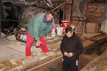 Marek Parkman a Jindřich Vágner spolu jako archeologové v Prachatickém muzeu pracují od roku 2014. Marek sbírá zkušenosti už od roku 1995.