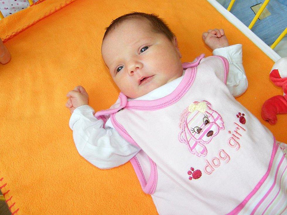 Nataly Chvalová se v prachatické porodnici narodila 26. září 2010 v 01.10 hodin, vážila 3100 gramů a měřila 47 centimetrů. Rodiče Kamila a Petr si své první miminko odvezou domů do Vimperka.