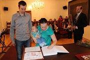 Novým občanem Prachatic se stal Mikuláš Sebera.