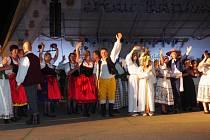 Folklórní soubor Libín-S z Prachatic na festivalu v Litvě.