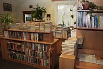 Zatímco si vimperští čtenáři zvykají na nové prostory knihovny, tu původní teď město chystá k prodeji.