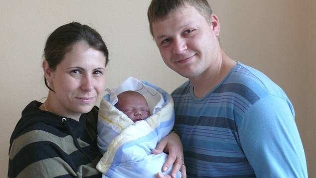 Josef Kislinger se narodil v prachatické porodnici v úterý 4. června v 16.45 hodin rodičům Hedvice a Josefovi. Při narození vážil 4180 gramů a měřil 52 centimetrů. Malý Josef bude vyrůstat v Setěchovicích.