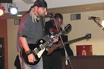 Národní dům žil rockovou hudbou.