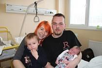 OLIVER MRÁZ, LENORA.Narodil se 27. prosince v 10 hodin a 50 minut v prachatické porodnici, vážil 4350 gramů. Má brášku Ondřeje (2,5 roku). Rodiče: Barbora Bandíková a Ondřej Mráz.