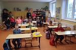 První školní den ve Zbytinách. Do první třídy nastoupili tři prvňáčci.
