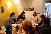 Setkání pracovní skupiny proběhlo v sociálně terapeutické dílně, v Krámku U STROOMu v Prachaticích.