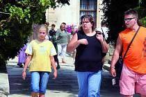 STOVKY NÁVŠTĚVNÍKŮ. Kratochvíli denně navštíví přes pět stovek turistů. Ti po prohlídce nové trasy odcházejí velmi spokojení.