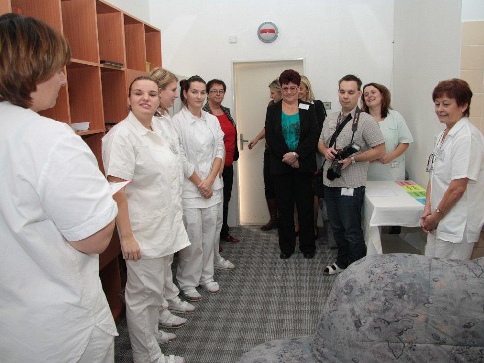 V prachatické nemocnici se o víkendu uskutečnil první ročník soutěže Jihočeská sestřička určený studentkám a studentům zdravotnických škol v Jihočeském kraji.