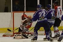 Vimperští hokejisté vyhráli ve Strakonicích 5:3.