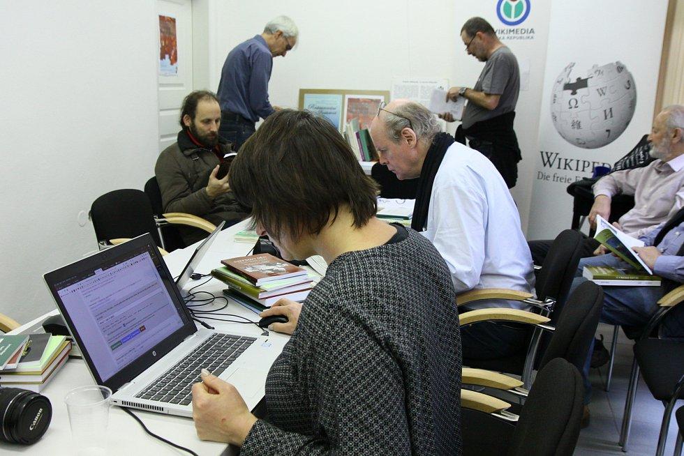 Editoři Wikipedie na setkání v Prachatickém muzeu.