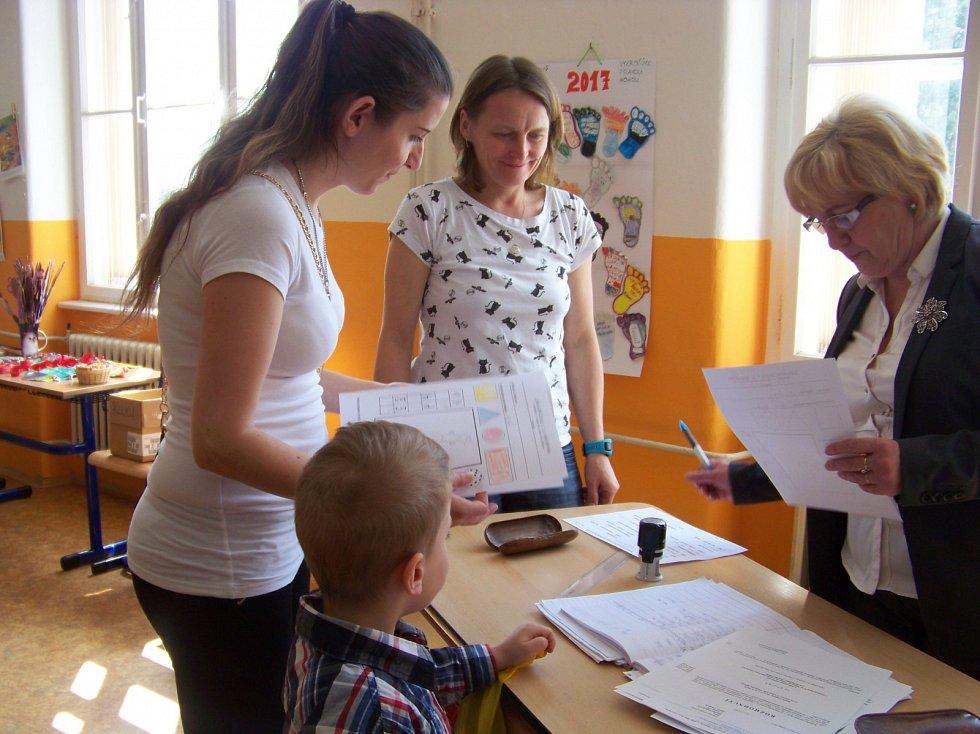 Ve vimperské Základní škole TGM se konaly zápisy. V září se tu otevřou dvě první třídy.