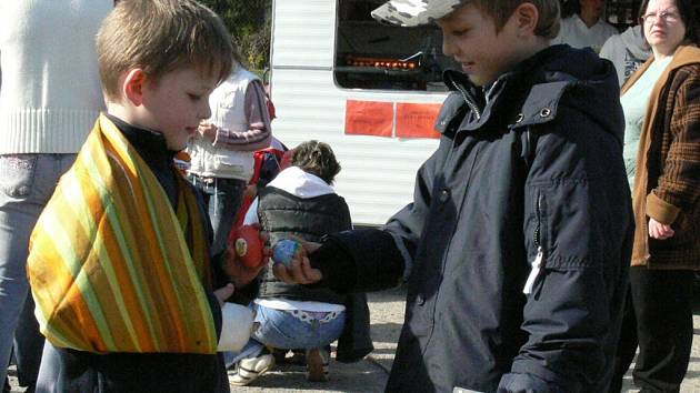 V Prachaticích pekají hlavně děti.