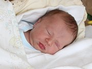 Čtyřletý Dominik má od pondělí 16. dubna malého brášku. Chlapeček Daniel Prokop se narodil v prachatické porodnici dvě minuty po druhé hodině ráno rodičům Zuzaně a Petrovi Prokopovým. Vážil 3440 gramů. Rodina své syny vychovává v Prachaticích.
