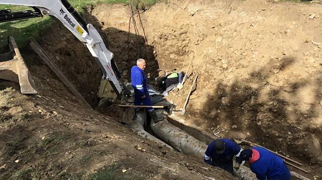 Havárie horkovodu v Prachaticích.