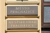 Město Prachatice podomní prodej zakázalo.
