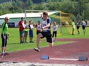 Mladší žactvo soutěžilo v prachatickém sportovním areálu v lehkoatletickém Poháru rozhlasu.