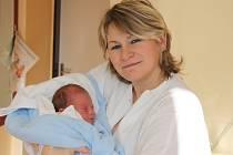 Jaroslav Chrastina se v prachatické porodnici narodil v pátek 23. ledna ve 2.50 hodin rodičům Jaroslavě a Martinovi. Vážil 3250 gramů. Chlapeček bude vyrůstat v Prachaticích, kde na něj netrpělivě čekal bráška Martin (8 let).