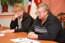 Zleva nová starostka obce Stožec Drahomíra Stanžovská a místostarosta Miroslav Karabec.