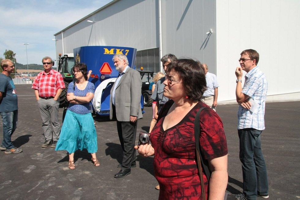 Ve čtvrtek 27. srpna byl slavnostně otevřen areál nového sběrného dvora a kompostárny v Krumlovské ulici v Prachaticích.