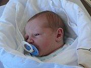 Miroslav Kajer se v prachatické porodnici narodil v pátek 30. prosince půl hodiny před osmou hodinou ranní. Při narození vážil 4240 gramů. Rodiče Stanislava a Jan jsou z Osek. Na brášku se těšil dvaapůlletý Honzík.