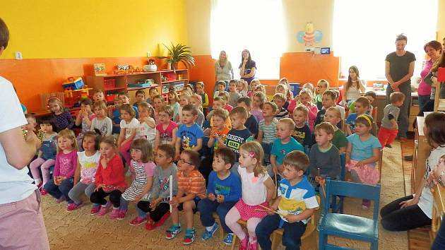 Pohádku si děti z Mateřské školy Klostermannova ve Vimperku užily.