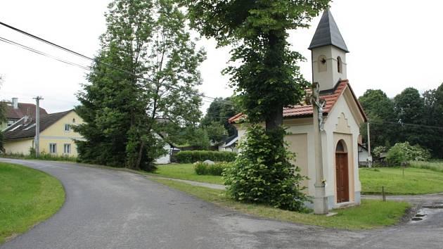 Náves v osadě Cejsice získá město Vimperk do majetku bezúplatným převodem od státu.