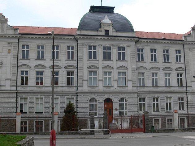 Budova druhého stupně ZŠ Netolice