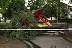Zničený altán ve Štěpánčině parku v Prachaticích.