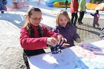 Děti vyráběly dárky pro své nejbližší k Mezinárodnímu dni žen.