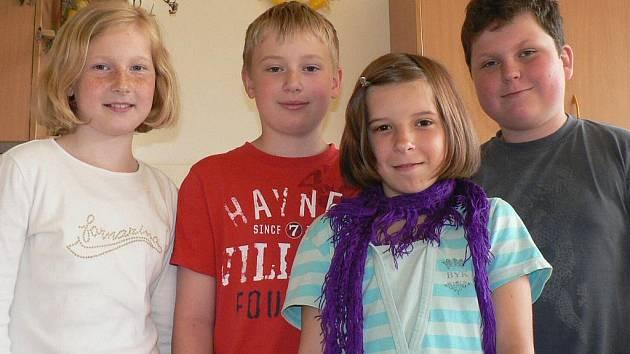 Andílci. O svátku jsme si povídali s Tinou Hejníkovou, Adamem Kůsem, Františkem Binkou a Helenou Furišovou. Všichni jsou žáci páté třídy ZŠ Zlatá stezka v Prachaticích.