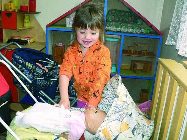 NAVÝŠENÍ KAPACITY. V současné době je kapacita strunkovické mateřské školy dvacet osm míst. Na příští rok se už ale zapsalo třicet čtyři dětí.