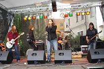 CRAZY OR HIGH. Skupina  vystoupila na prvním ročníku prachatického festivalu Mezibrány Soumarrock.