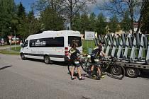 Šumavou na kole vimperským cyklobusem se jmenuje letošní projekt šumavských obcí, které spojily finance, aby cyklisté měli pohodlnější cestování po Šumavě.