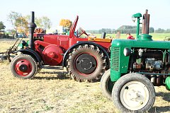 Setkání příznivců starých traktorů v Mahouši.
