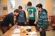 Studenti prachatického střediska Střední školy Vimperk si připravili pro žáky osmých a devátých tříd základních škol na Prachaticku ukázky učebních oborů.