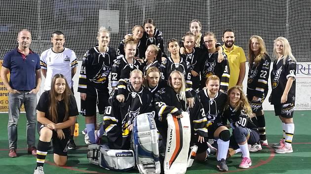 Hokejbalistky HBC Prachatice se představily v I. lize.