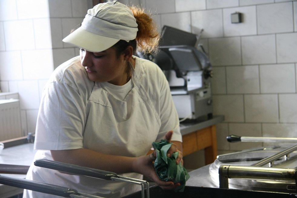 Žáci Střední školy ve Vimperku vařili podle receptů čtenářů Prachatického deníku