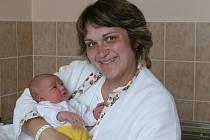 Adéla Chvostová se narodila v prachatické porodnici v sobotu 18. května ve 23.10 hodin. Při narození vážila 3180 gramů. Rodiče Pavlína a Jan si dceru odvezli domů, do Vimperka.