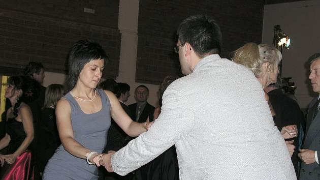 V pátek 23. ledna se ve Vimperku uskutečníl první letošní Městský ples. K poslechu i tanci zahrála skupina Good Company.