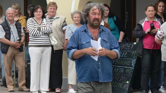 Zdeněk Troška natáčel v Netolicích.