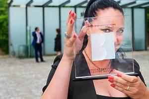 Zuzana Vintrová převzala mimořádné ocenění Brückenbauer - Stavitel mostů 2021.