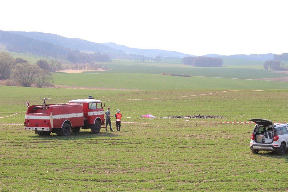 Smrt v troskách svého stroje nalezl u obce Dub na Prachaticku pilot ultralightu.