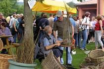 Myšlenka uspořádat trh se zrodila v roce 2009, v květnu následujícího roku se ji už podařilo realizovat. Dnes lákají chlumanské trhy stovky návštěvníků.