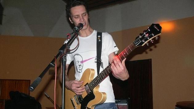 Tribute to Čajda. Tak zněl název akce, kterou svému tragicky zesnulému kamarádovi věnovalo hned pět hudebních kapel.