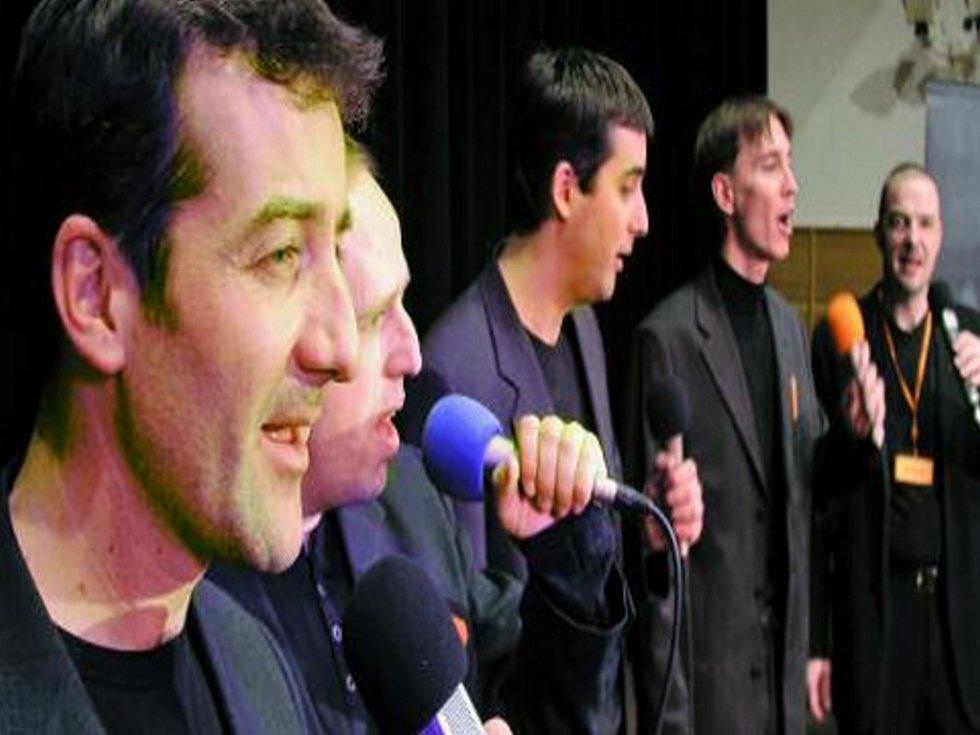 NEZALEKLI SE. Vokální kvintet Vockap zavítal ve čtvrtek do vimperského kulturního střediska.