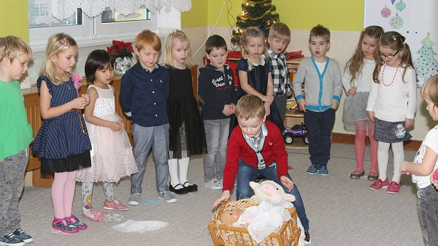 Předvánoční besídku si připravily děti z prachatické Mateřské školy v Krumlovské ulici pro své rodiče a prarodiče.