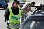 Policisté se zaměřili na pásy a doklady od vozidel.
