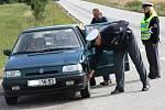 S vzorkem pneumatik u felicie nebyli policisté spokojeni.